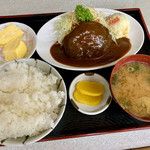 柳屋食堂 - 料理写真:訪問日の日替わり。お米は「おいでまい」を使用。