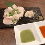 炭火串焼 くま男爵 - 京紅地鶏胸肉のたたき風 980円