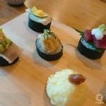 117349461 - 右下は揚げ寿司。カリカリして                       梅肉が良いパンチ~!
