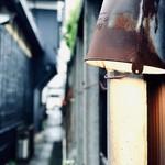 117350451 - ブリキバケツを傘にした照明