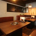焼肉 蔵の吉ホルモン - テーブル席