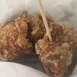 えきのねき - 料理写真:若鶏もも肉唐揚げ(1個 90円)