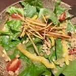 茨城地産地消の店 全席個室 もんどころ - ロメインレタスとフルグラサラダ さつま芋スティックのせ