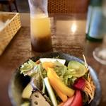 イタリアンバジル - ◆サラダ、自家製ドレッシング添え。 ドレッシングが美味しいこと。