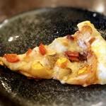 イタリアンバジル - ミニピッツァは、生地はサクサクでお野菜のピッツァ。生地も味わいも好み。