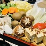 117374961 - 鶏すき鍋のお野菜