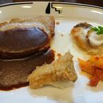 大雪地ビール館 - 料理写真:A.ランチコース メインディッシュ