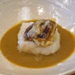 柚木元 - 自家製の胡麻豆腐とアカヤマドリ茸のフリット アカヤマドリ茸のソースで