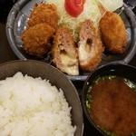 Tonkatsuniimura - 夜中に食べたらあかんやつ。赤だしがうめえ