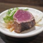 炭火焼 みや澤 - 鰹の藁焼きタタキ(塩)
