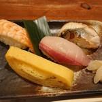 Ryoutei - 寿司四巻