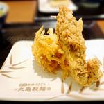 丸亀製麺 - かしわ天とかき揚げ