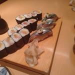 魚がし鮨 - とろたくと秋刀魚の握り