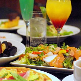 日比谷駅至近!豊富なカクテルと素材料理で貸切出来るカフェ。