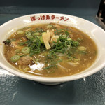 117421640 - 看板メニューのぼっけゑラーメン。鶏ガラ濃厚醤油スープに細麺が良く合います。