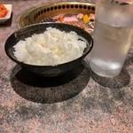 和牛カルビ屋 朱苑 - 大ライスセット(玉子スープ) 770円