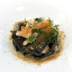 117425516 - イカスミを練り込んだフェットゥッチェ太刀魚、カラスミ、ウイキョウのソース
