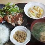 和牛と創作料理 神田 一期屋 - 日替り定食:850円