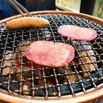 黒毛和牛焼肉と本格もつ鍋 山樹 -