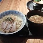 ひろき家 - つけ麺(大盛・800円)