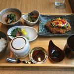 SHARI - SHARI風豚カツ,おくらと長芋のソース