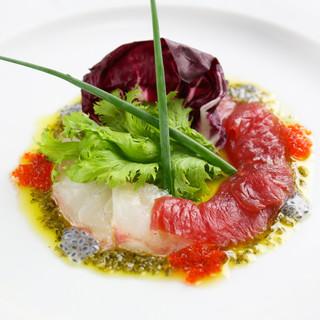 鮮度が決め手!イチオシの魚料理をワインと共に味わう