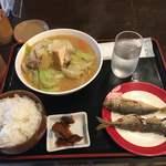 酒処 角力古市 - 料理写真:ちゃんこランチ800円