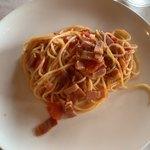 ラ パッパータ - 鶏もも肉ソテーのハーフパスタ…トマトとベーコン