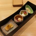 泉岳寺前 瀧口 - 油揚げ菊お浸し、鴨ハム、胸肉とカプレーゼ、湯葉