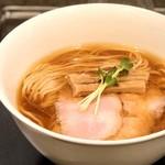 らぁ麺やまぐち - 料理写真:鶏そば・950円