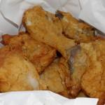 ケンタッキーフライドチキン - 料理写真:バケツの中を覗くと・・・