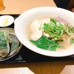 大岡山のベトナム料理 ハノイのホイさん - 定番フォー(鶏肉のフォーセット)