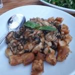 富錦樹台菜香檳 - 牡蛎&揚げパン ニンニクソース
