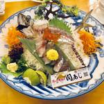 シーサイドホテル 美松 大江亭 - 料理写真:関あじの姿造り