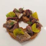 117486580 - ⚫︎秋刀魚 砂ずり 銀杏 酢橘 大根。食感とパイ生地が楽しいアミューズ。