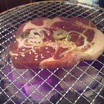 11751741 - 豚カルビ。タレが染みていて美味しい。