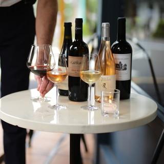 種類豊富なグラスワインと料理のペアリング