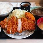 tonkatsuhamaya - 特上ロースカツ定食 ¥1300 カキフライ ¥200 おろしポン酢 ¥100