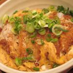 Mendiyakinasa - カツ丼定食 \1082(税抜き)