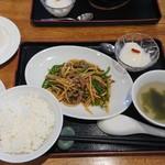 117538225 - 日替わり定食(牛肉とピーマンの細切り炒め)¥950-