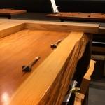 博多呑場 五右エ門 - カウンターと奥のテーブル席