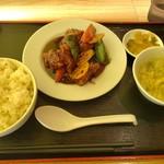 三国志 - 黒酢スブタセット 690円+税