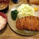 おさむ - ロースかつ定食 100g