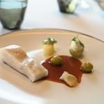 エスキス - 魚料理 マナガツオ 発酵葡萄