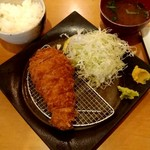 117556562 - ロースカツ定食