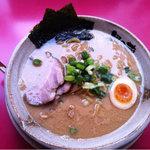 越後秘蔵麺 無尽蔵 - 豚骨醤油あっさり太麺