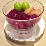 カフェ テロワール - 葡萄のシロップで練ったワラビもちです!