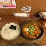 117564634 - 煮込み野菜スープカレー 辛さレベル50+ライス小
