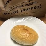 ロッサ ガレージ - ロールパン
