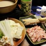 鶏彩 - 濃圧スープの鶏鍋